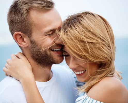 「ドキドキが止まらない!」男性が初対面で恋に落ちた瞬間4つ