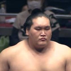 照ノ富士、史上最大の復活優勝!けが乗り越え史上2位・30場所ぶり 序二段陥落から8場所など記録ずくめ