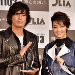 <速報>剛力彩芽&伊藤英明が受賞「ベストレザーニスト2012」
