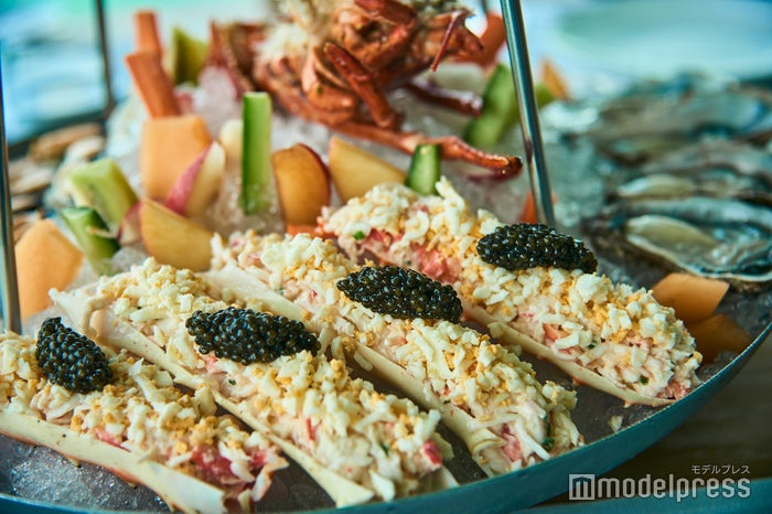 キャビアやエビなど贅沢食材をふんだんに使用した料理(C)モデルプレス