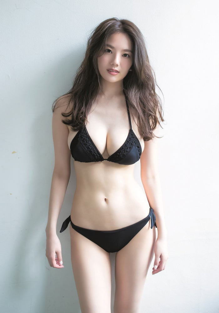 伊東紗冶子(C)桑島智輝/集英社