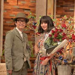 リリー・フランキー、池田エライザ(C)NHK