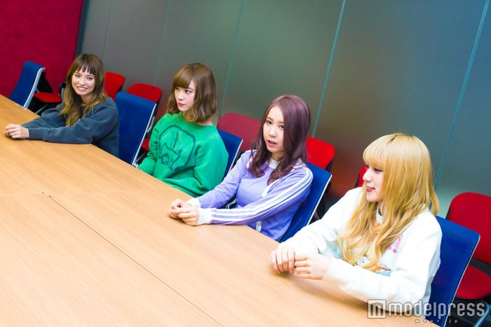 SCANDAL(左から)HARUNA、RINA、TOMOMI、MAMI(C)モデルプレス