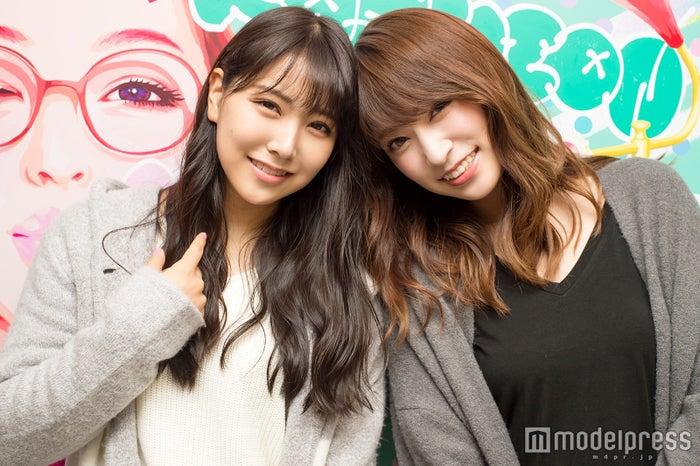 「KANSAI COLLECTION 2017 AUTUMN&WINTER」出演後、モデルプレスのインタビューに応じた白間美瑠&吉田朱里 (C)モデルプレス