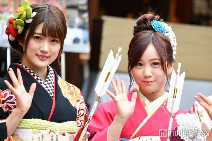 (左から)樋口日奈、星野みなみ(C)モデルプレス