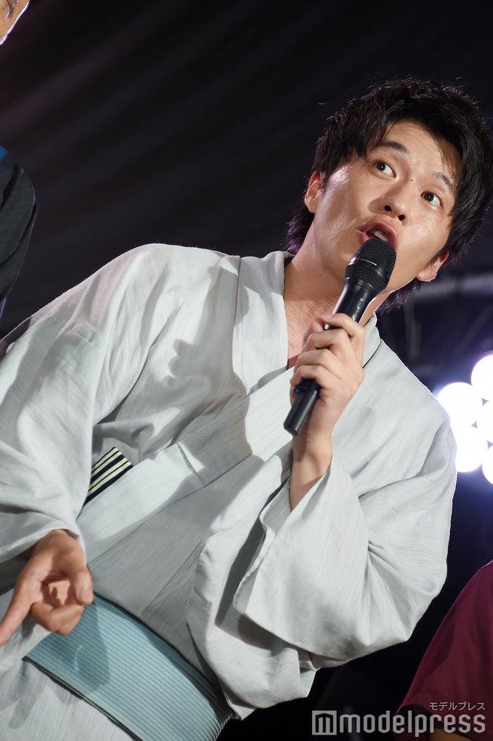 田中圭「行ってみ~」 (C)モデルプレス