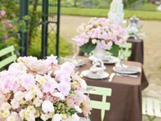 結婚式に列席したとき、密かにチェックしてしまうこと 1位「料理のおいしさ」2位「列席者のドレス」