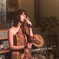 池田エライザ、しっとり名曲で歌声披露