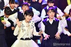 荻野目洋子、登美丘高校ダンス部 (C)モデルプレス