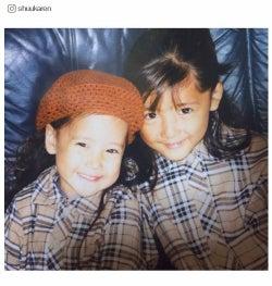 "E-girls藤井萩花&夏恋姉妹の幼少期""双子コーデ""が可愛すぎ!「まだまだあります」レア写真公開"