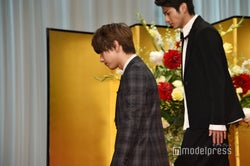 降壇する吉沢亮、山田裕貴(C)モデルプレス