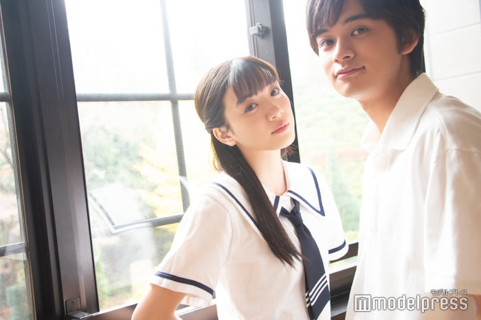 インタビューに応じた(左から)永野芽郁、北村匠海(C)モデルプレス