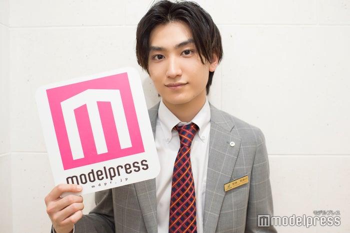 モデルプレスのインタビューに応じた金子大地(C)モデルプレス
