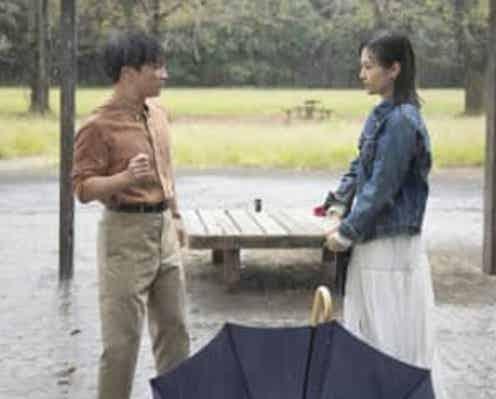 """『じゃない方の彼女』第4話 """"怜子""""山下美月からキスされた""""雅也""""濱田岳の行動は?"""