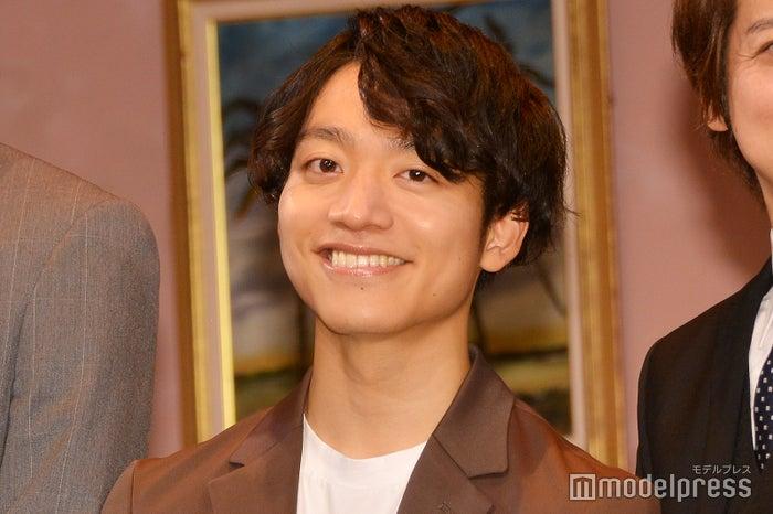 カーテンコールが「運動会の小学生」と言われてしまった初座長・今江大地(C)モデルプレス