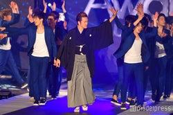 中村獅童、袴姿で異色ランウェイ イケメンを引き連れる<GirlsAward 2017 S/S>