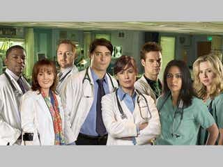 『ER』のあの医師が、米Huluの新作コメディで再びドクターに!
