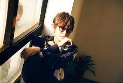 スガ シカオ、ニューアルバム『労働なんかしないで 光合成だけで生きたい』 今春リリース