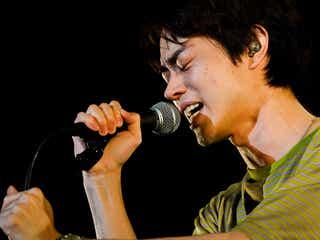 菅田将暉「まちがいさがし」ステージ初生歌唱&未発表新曲サプライズ披露<パーフェクトワールド>