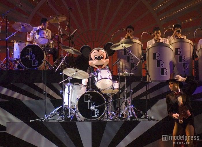 「ビッグバンドビート~クリスマス・スペシャル~」(C)Disney