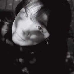 Ayane Yamazaki、カバーしたシティポップ80年代幻の名曲「魔法を教えて」を2形態でリリース
