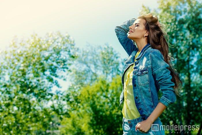 陽の光を浴びて心も体もリフレッシュ(photo by Andrey Kiselev/Fotolia)