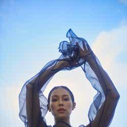 モデルプレス - BENI、入籍&妊娠を発表 「Beni Daniels」として世界進出