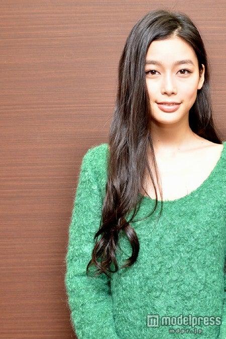 映画「ゆるせない、逢いたい」では主演を努め、今後の活躍から目が離せない<衣裳協力>Cher Harajuku/deicy代官山