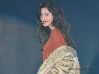 「チア☆ダン」で注目の朝比奈彩、9頭身ボディ際立つパンツルック<GirlsAward 2018 A/W>