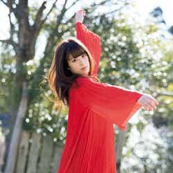 モデルプレス - 欅坂46齋藤冬優花、美脚あらわに大人の魅力開花