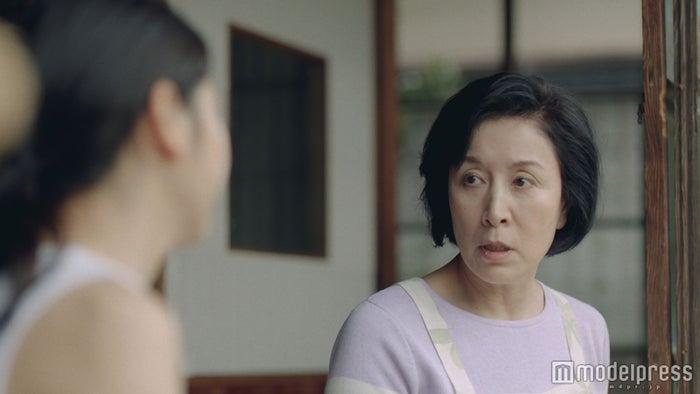 長澤まさみと高畑淳子「ふんばる手」篇より