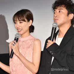 戸田恵梨香、ムロツヨシ (C)モデルプレス