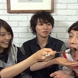 有村架純と山崎賢人、肉食ぶりを『火曜サプライズ』で披露