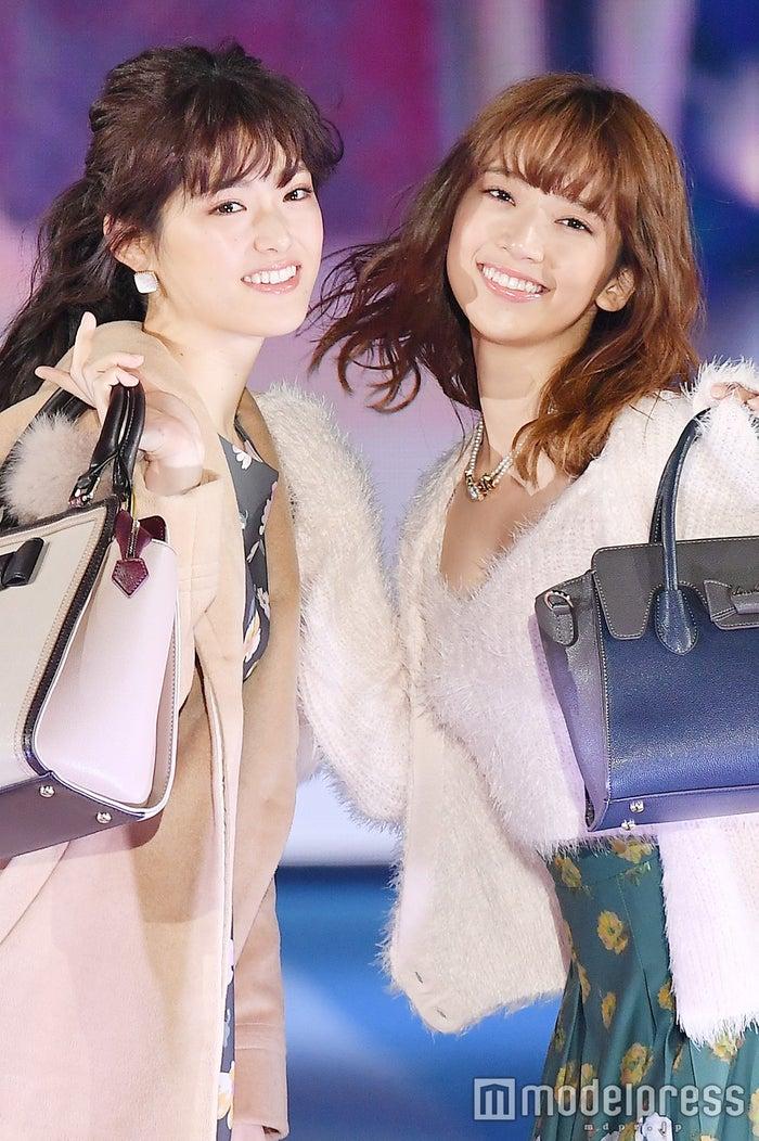 「GirlsAward 2016 AUTUMN/WINTER」に出演した(左から)松村沙友理、橋本奈々未(C)モデルプレス