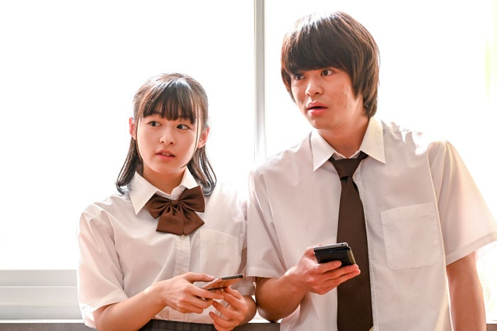 森七菜・今井悠貴/『3年A組 ―今から皆さんは、人質です―』より(C)日本テレビ