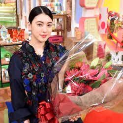 モデルプレス - 三吉彩花、涙で「メレンゲの気持ち」MC卒業