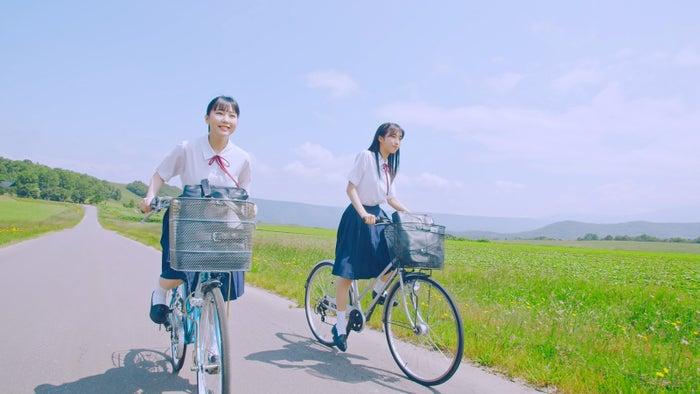 田中美久、小栗有以 2009年(大ブレイク前夜)AKB48「サステナブル」MV(C)AKS/キングレコード