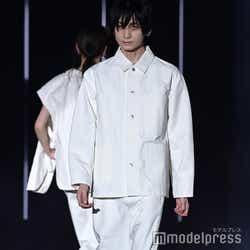 吉井添(C)モデルプレス