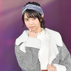 欅坂46小林由依、緊張のランウェイデビューで魅せた!ポージングに胸キュン<GirlsAward 2016 A/W>