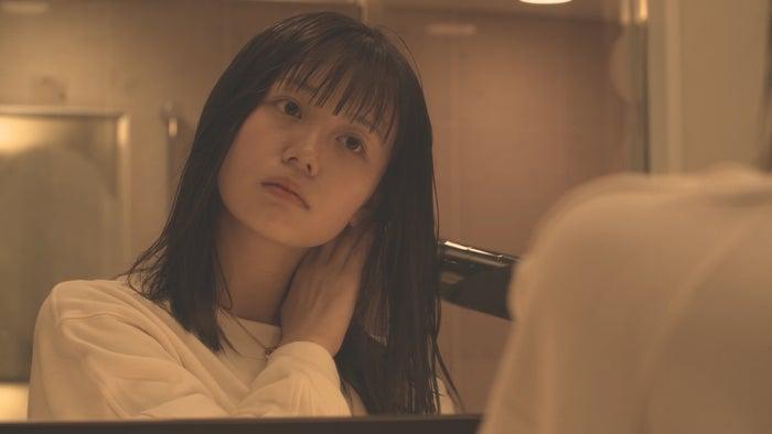 井口綾子「ダブルベッド」(C)TBS/イースト・エンタテインメント
