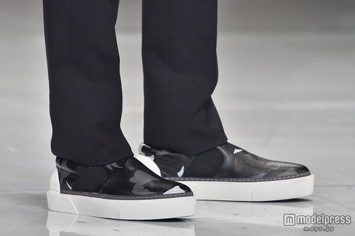 この日も迷彩柄の靴で登場