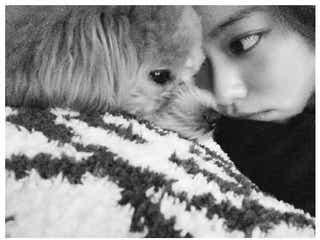 山本舞香、犬とのキス動画にファン悶絶「無限リピート」「ワンちゃんになりたい」の声