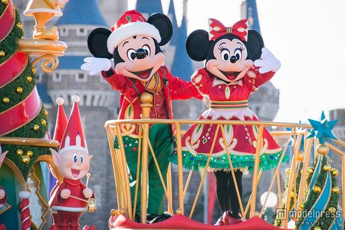 ディズニーランドのクリスマス(C)Disney