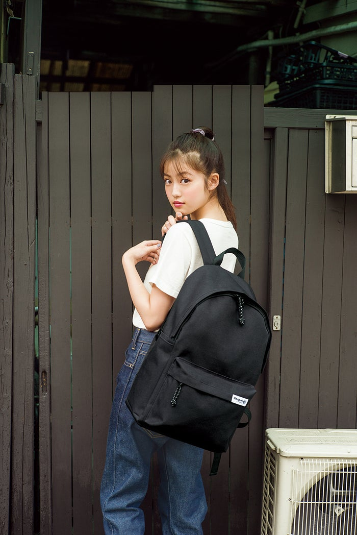 今田美桜/『Reebok CLASSIC BACKPACK BOOK』(8月21日発売、宝島社)より(提供写真)