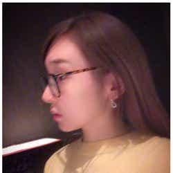 娘が撮影した加護亜依の横顔/加護亜依オフィシャルブログ(Ameba)より
