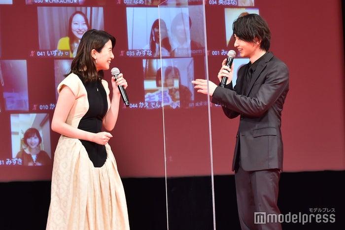 いつもと様子が違う吉高由里子に気づいていた横浜流星(C)モデルプレス