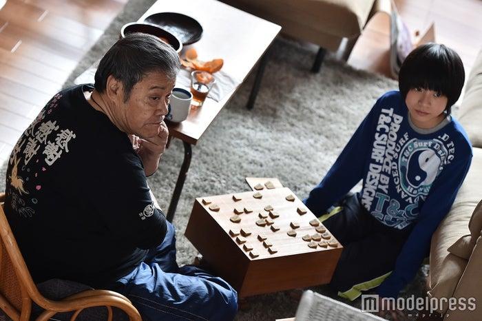 西田敏行、高田彪我「家族ノカタチ」第4話場面カット/画像提供:TBS