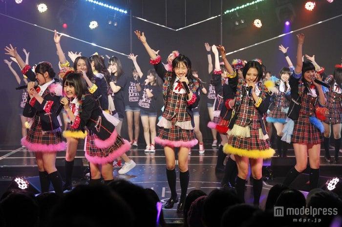 「HKT48劇場 2周年記念 特別公演」を開催したHKT48