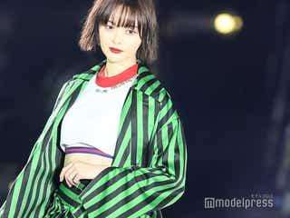 玉城ティナ、お腹チラ見せでヘルシーな色気 台湾ショーでトップバッターの大役果たす<ASIA FASHION AWARD 2018>