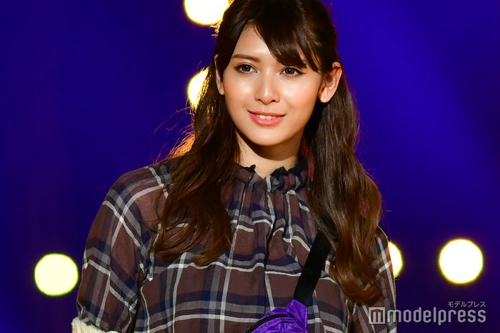「東京ガールズコレクション 2018 AUTUMN/WINTER」に出演したアンジェラ芽衣(C)モデルプレス